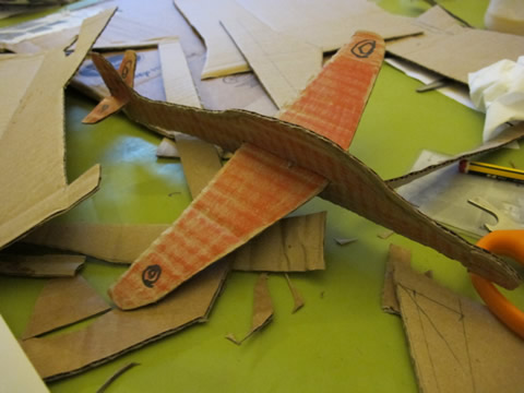 tutoriel avions en carton avec gabarit et patron. Black Bedroom Furniture Sets. Home Design Ideas
