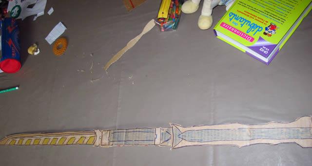 Diy fabrique ton p e en carton power ranger samura - Power rangers dore ...
