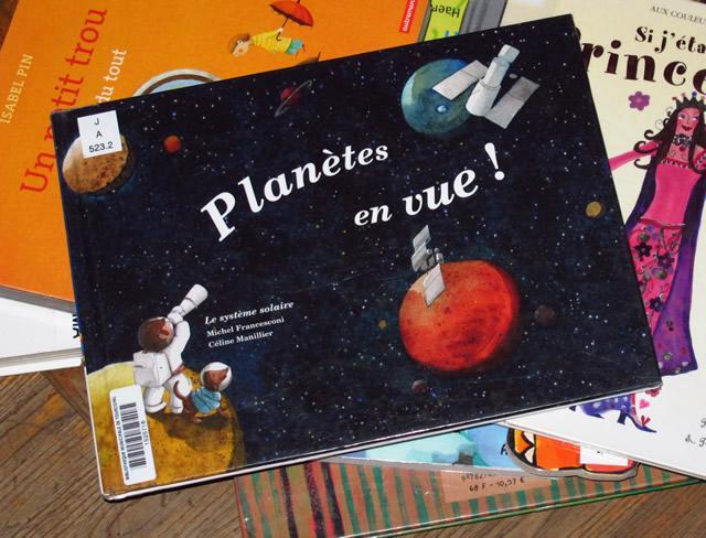 planètes en vue livre pour enfant