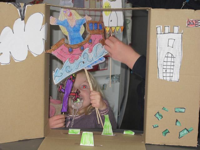 construire un théâtre en carton