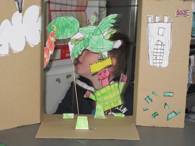 fabriquer-un-theatre-en-carton