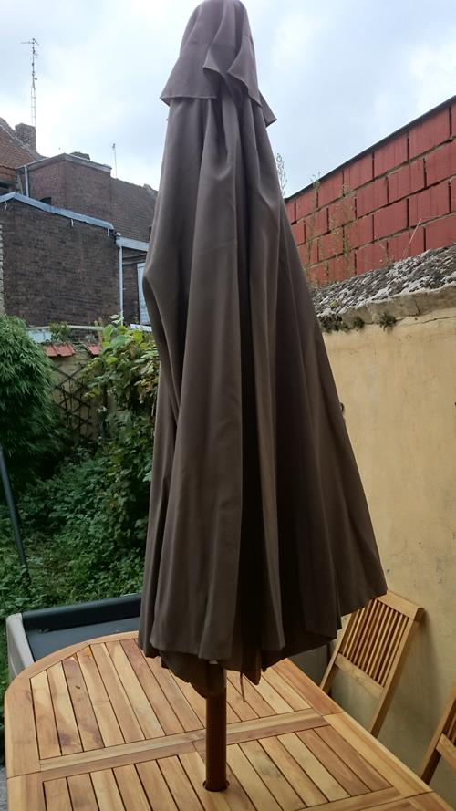 Parasol-Scott-jardin