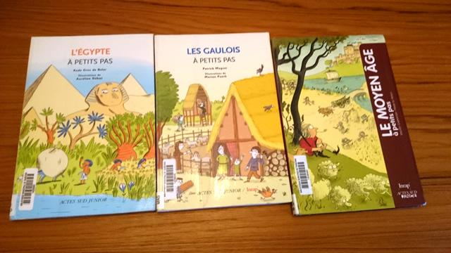 """Livre d'histoire pour enfants """"A petits pas"""""""