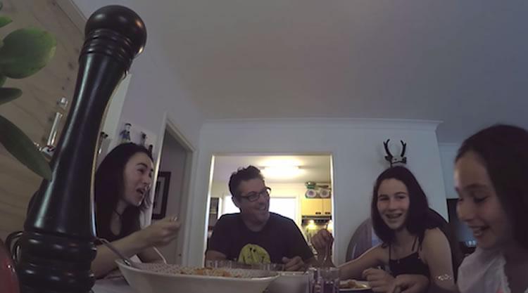 Dolmio-Pepper-Hacker-famille-heureuse