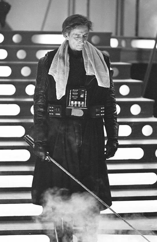 david-prowse-behind-helmet-star-wars