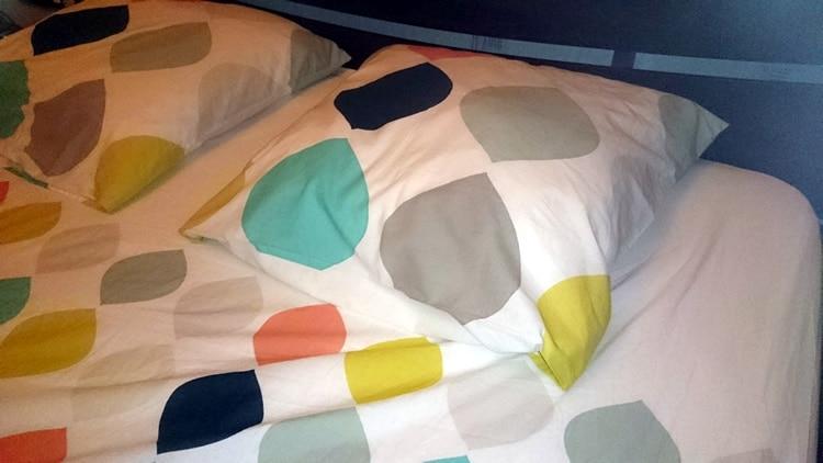 Papa teste le linge de lit panache de colombine by la - Housse de couette blanche porte ...