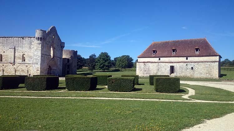 Abbaye de la Réau Vienne